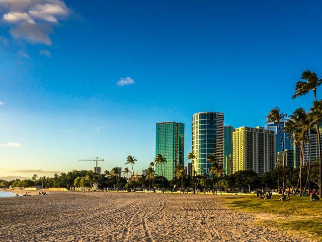 ハワイ旅行中に撮影した大切な写真を守るために役立つグッズ
