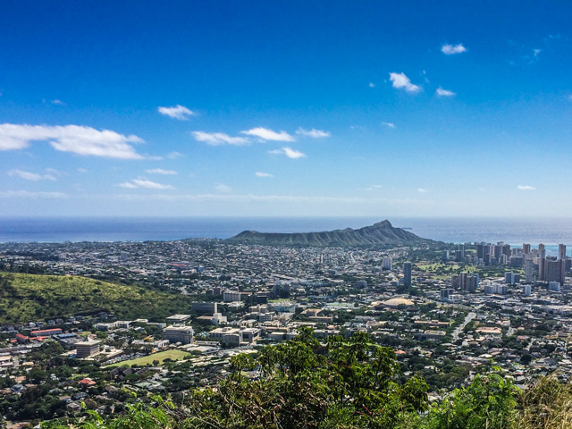 ハワイ旅行で写真の綺麗さとカメラの携帯性を両立したい人にオススメのデジカメ